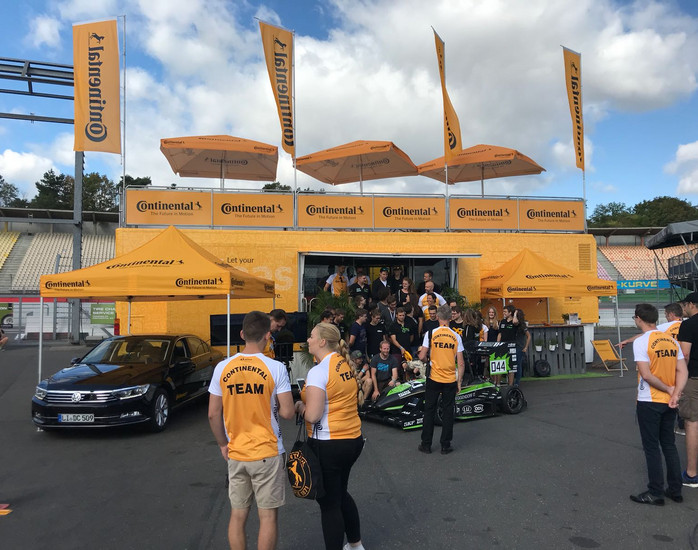 Continental mit Rainbow Promotion bei der Formula Student Germany am Hockenheimring