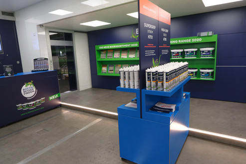 Innenausbau Promotion Truck showroom Bostik